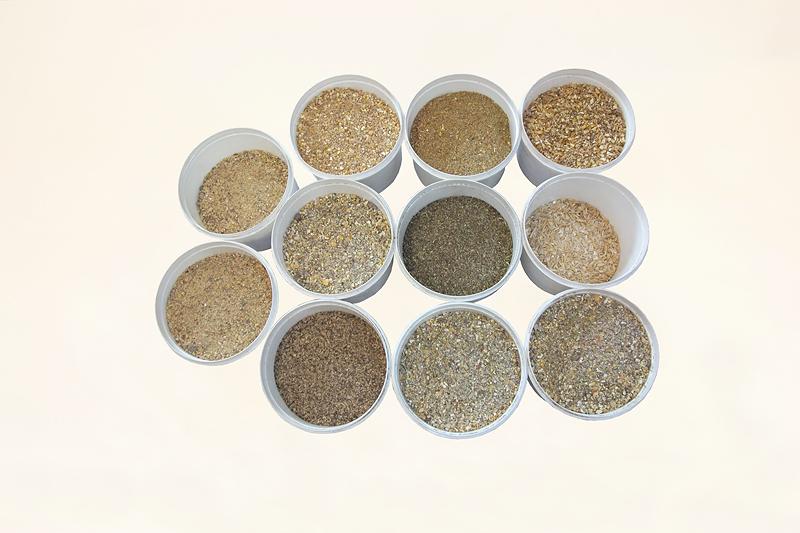 Futtervielfalt in Eimern, hochwertiges, preiswertes Kraftfutter